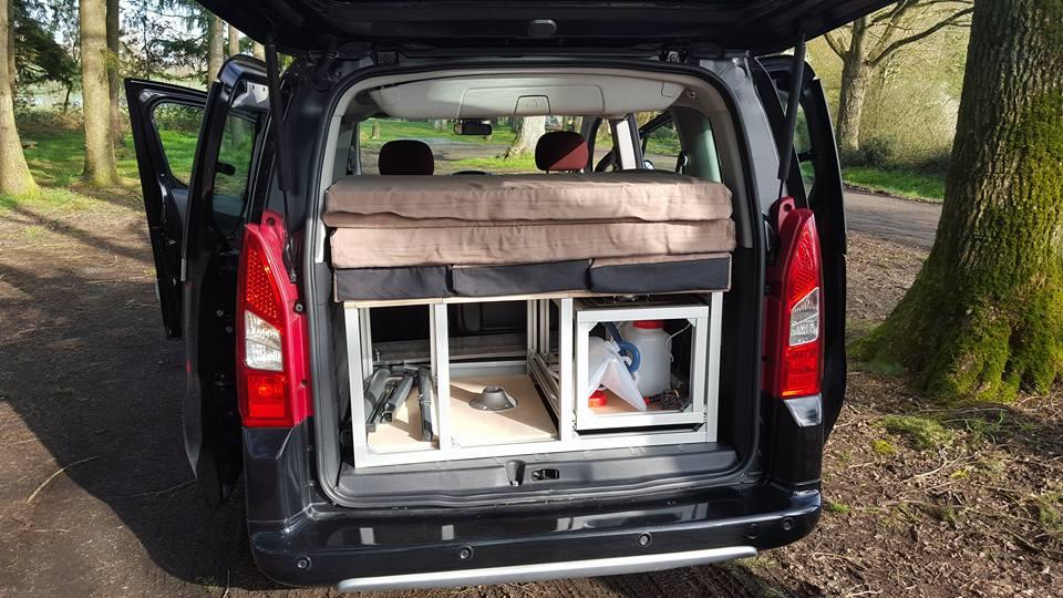 kit endormi pour v hicules avec banquettes evasion am nagement. Black Bedroom Furniture Sets. Home Design Ideas